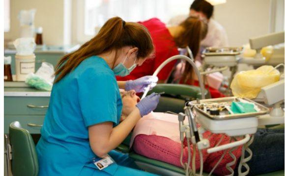 Dantų protezavimas: Ar galima savo vietą užleisti giminaičiui?
